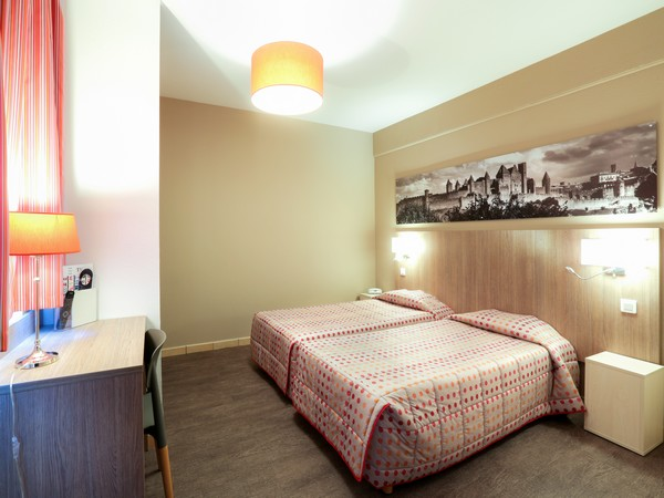 HOTEL LES OLIVIERS ©HOTEL LES OLIVIERS